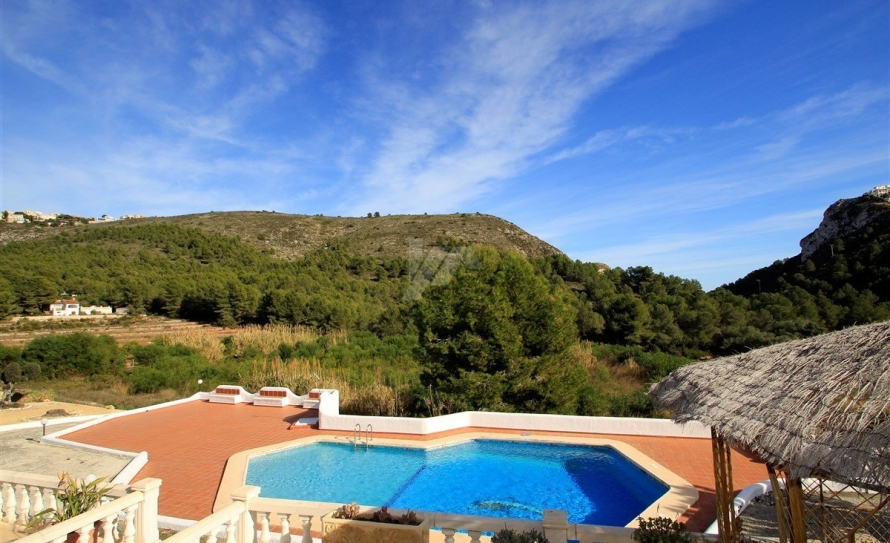 BP2421-Bungalow-for-sale-in-Moraira-4