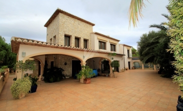 BP2614-Villa-for-sale-in-Moraira-2