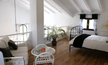 57 Mezzanine to Lounge