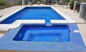 15 Hot Tub and Pool