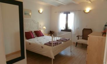 90 Bedroom 1