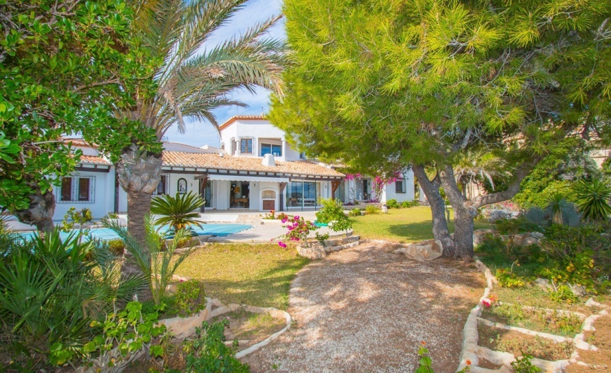BP2453-Villa-for-sale-in-Moraira-40