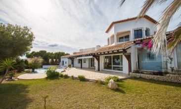 BP2453-Villa-for-sale-in-Moraira-46