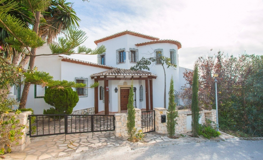 BP2453-Villa-for-sale-in-Moraira-54