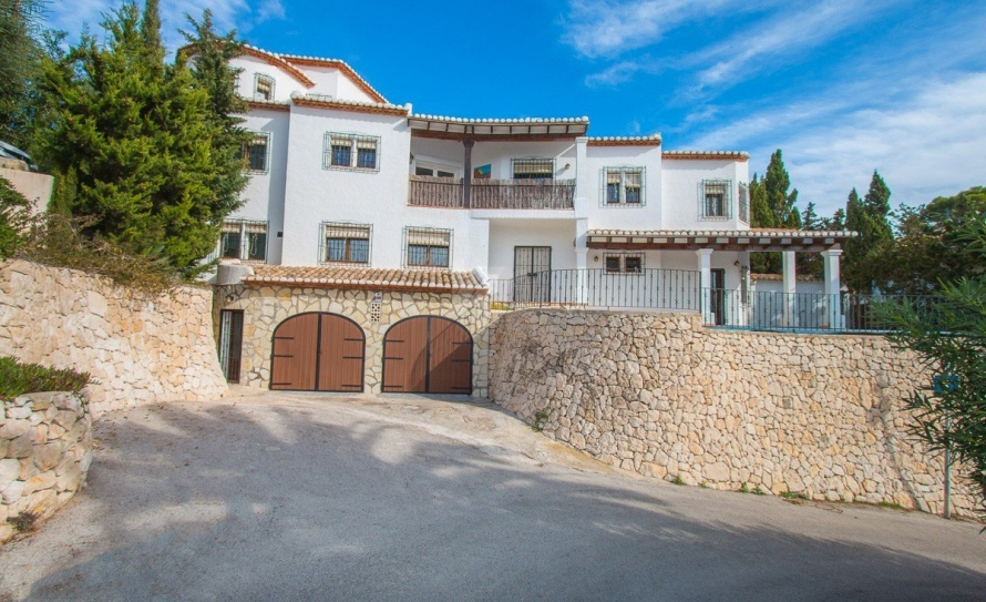 BP2453-Villa-for-sale-in-Moraira-56