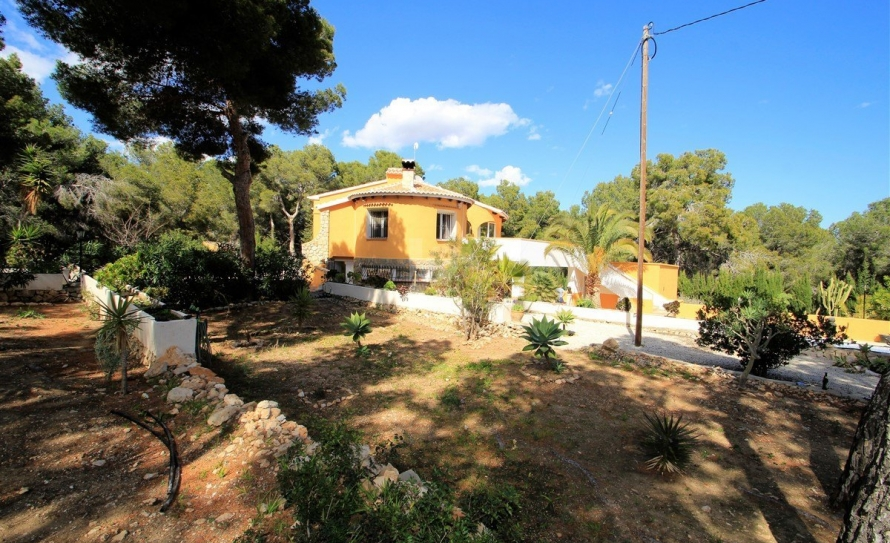 BP2477-Villa-for-sale-in-Benissa-2