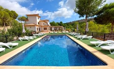 hotel-finestrat-finca-pool-rural-puig-campana5