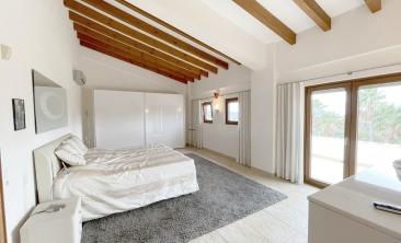 benissa-finca-renovated-spain-villa-pool (12)