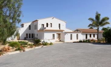 benissa-finca-renovated-spain-villa-pool (34)