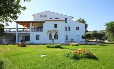 benissa-finca-renovated-spain-villa-pool (35)