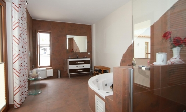 benissa-finca-renovated-spain-villa-pool (5)