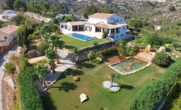 benissa-finca-renovated-spain-villa-pool (6)