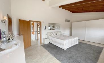 benissa-finca-renovated-spain-villa-pool (9)